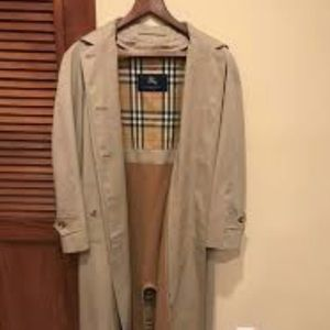 Like new never worn Burberry Trench Coat
